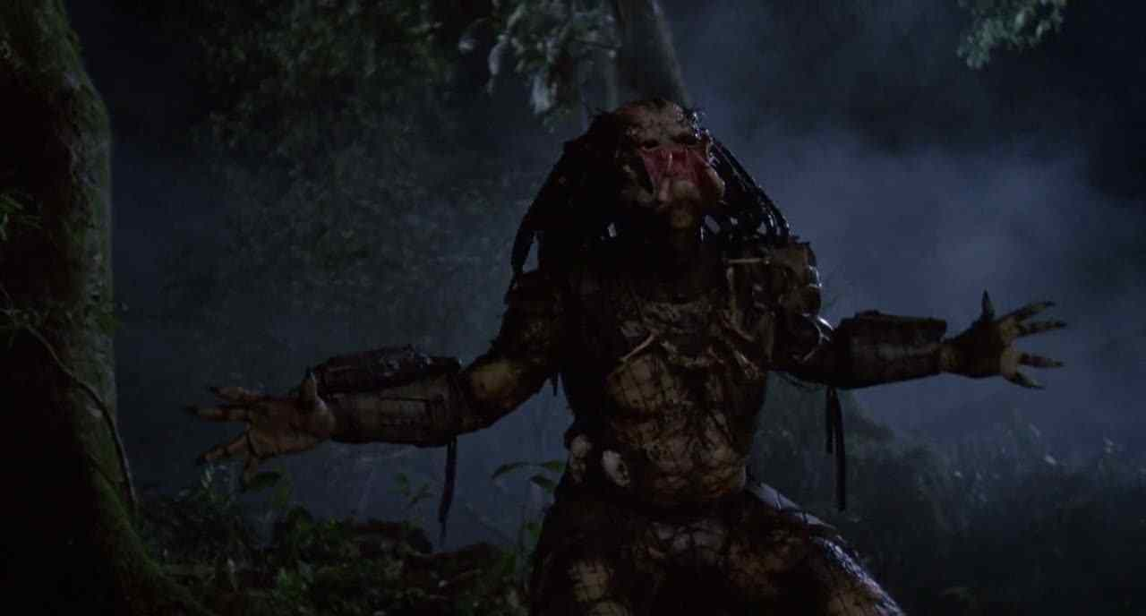 The species with immense power, weapons and camouflage ability in the Predator movie, starring Arnold Schwarzenegger.
