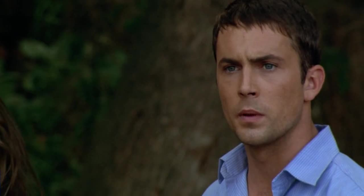 The star of the first popular Wrong Turn franchise, Desmond Harrington.
