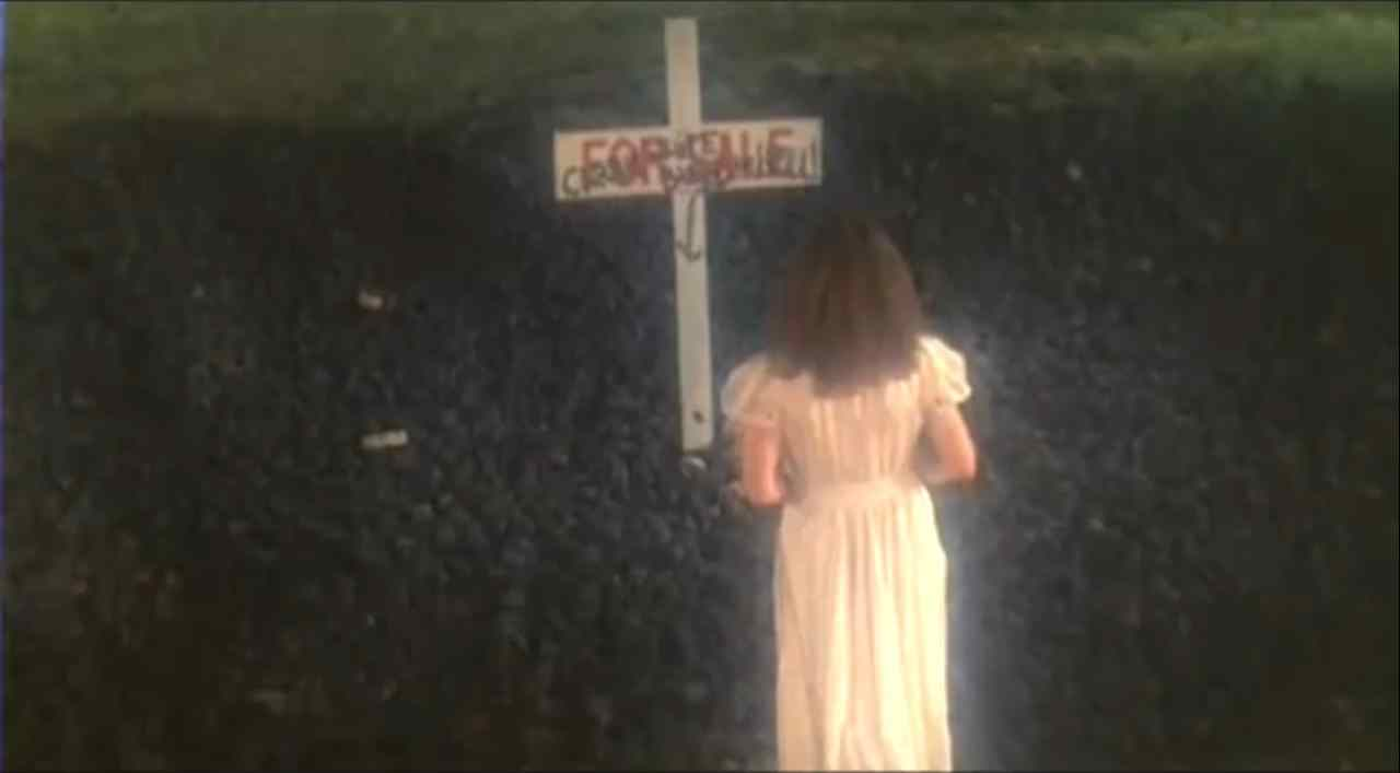 The ending scene for Carrie in which Sissy was actually buried as so her hand was not a stunt doubles.