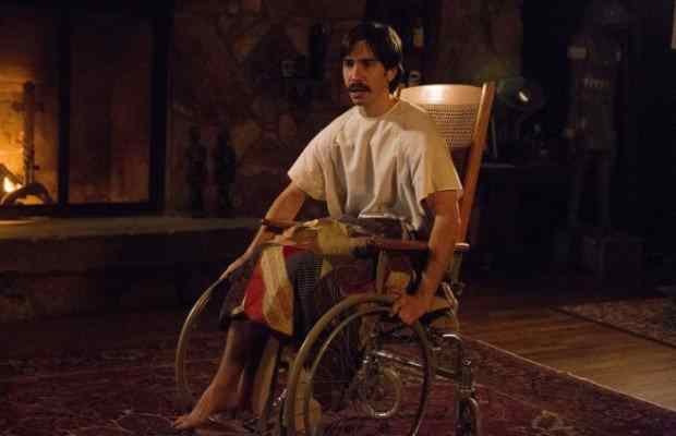 Latest image from Kevin Smith's Tusk features Justin Long without one of his legs.