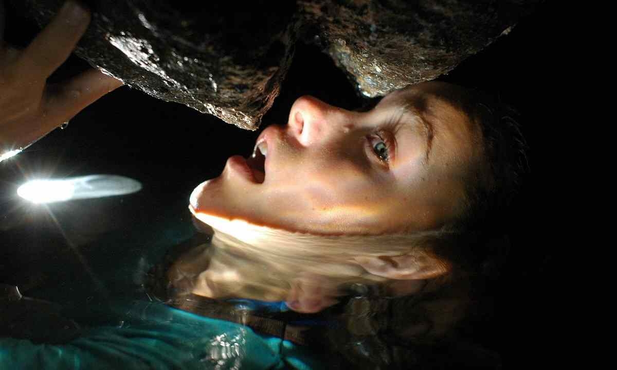 In Turistas, Bea is chased in the underwater caves.