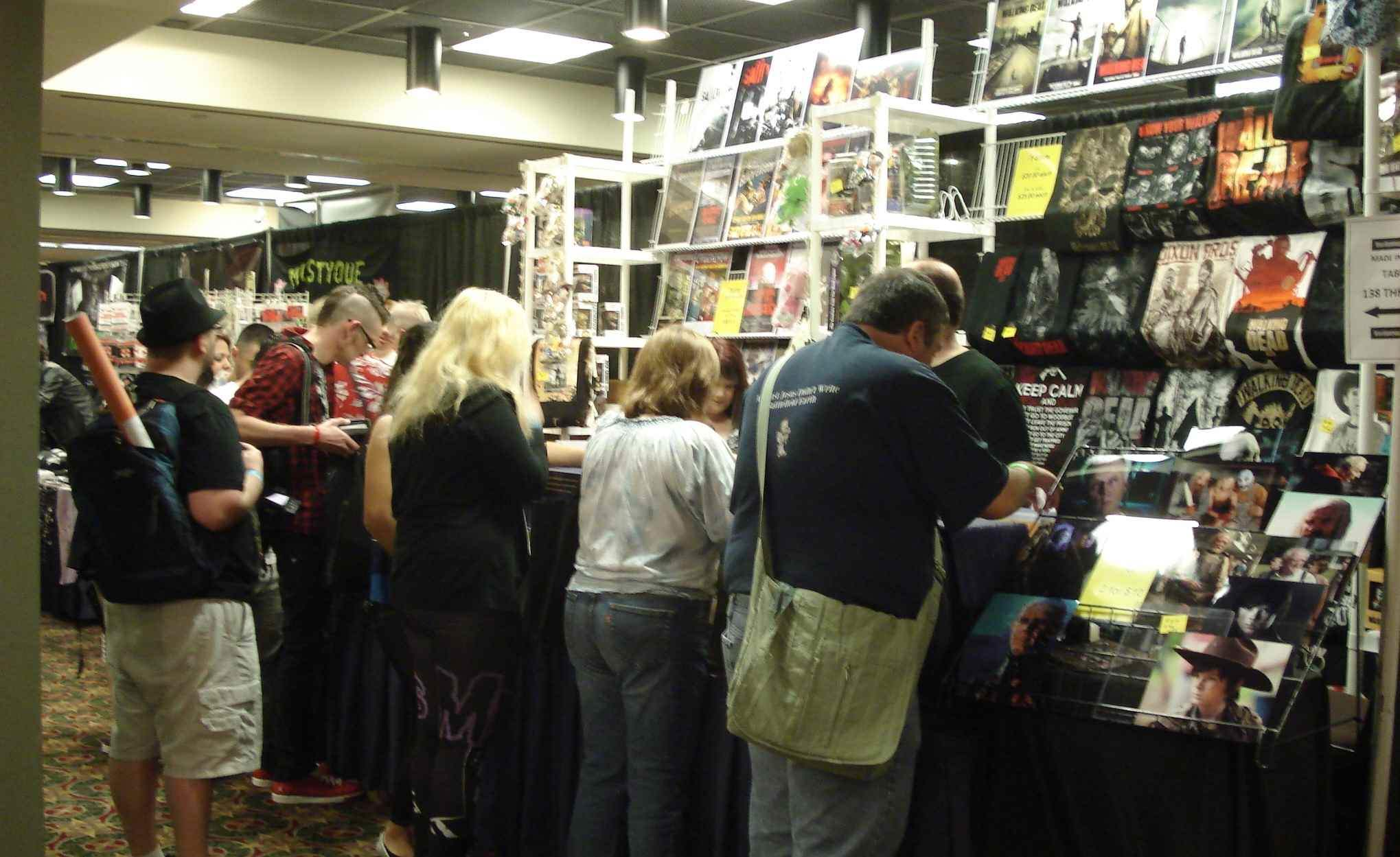 Fans at vendor booths at Texas Frightmare Weekend