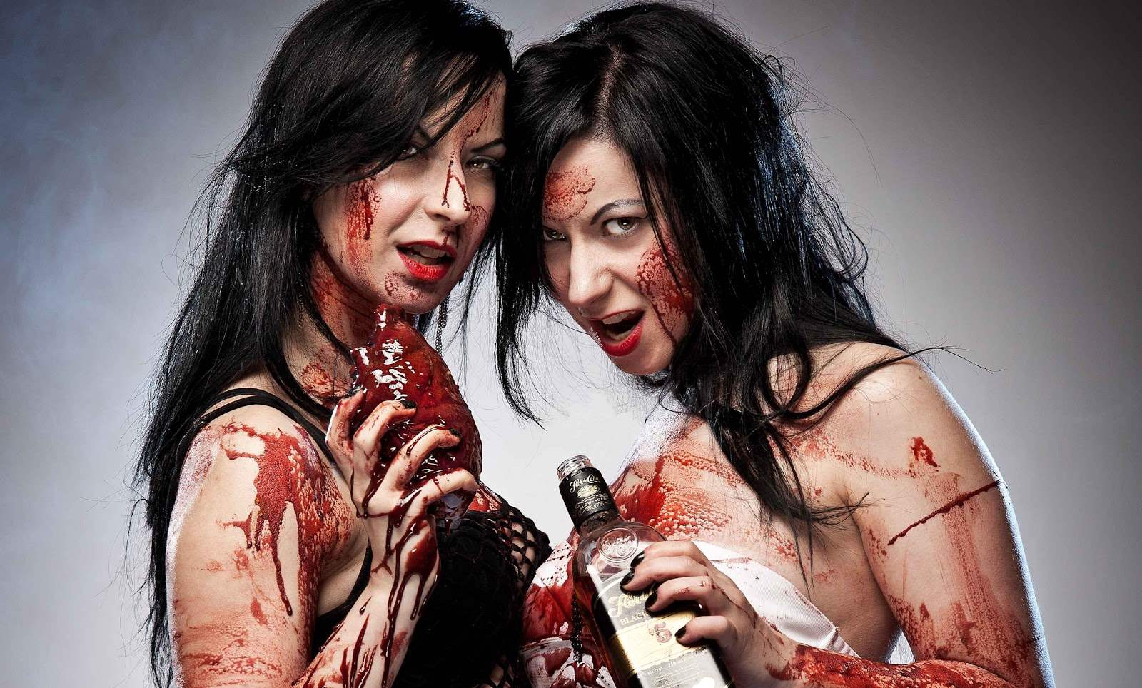 The Twisted Twins - Jen and Sylvia Soska