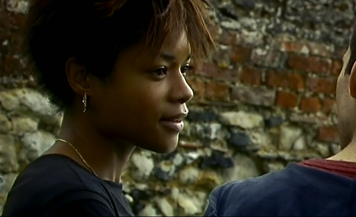 Naomie Harris plays Selena in 28 Days Later.