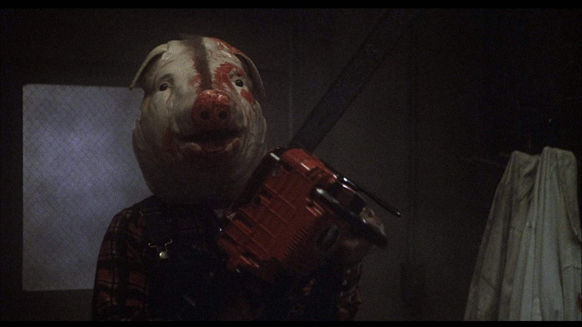 masked Farmer Vincent in Motel Hell
