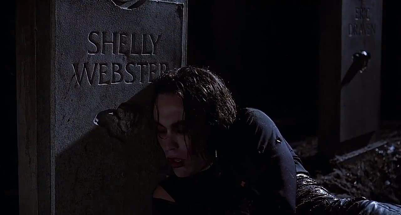 Eric at Shelley's grave in The Crow