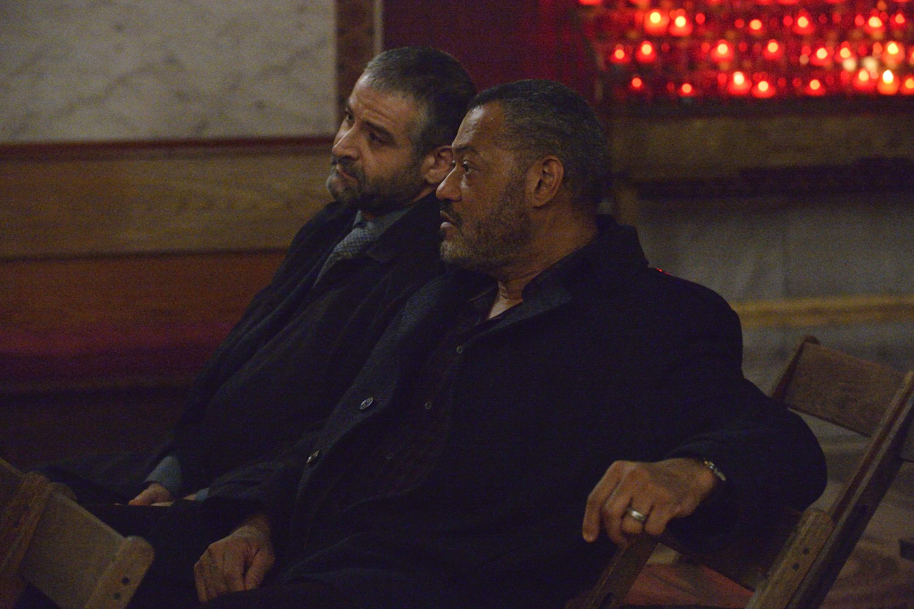 Inspector Pazzi and Jack discuss Hannibal in the chapel in Italy