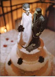 The bride of frankenstein horror movie cake.