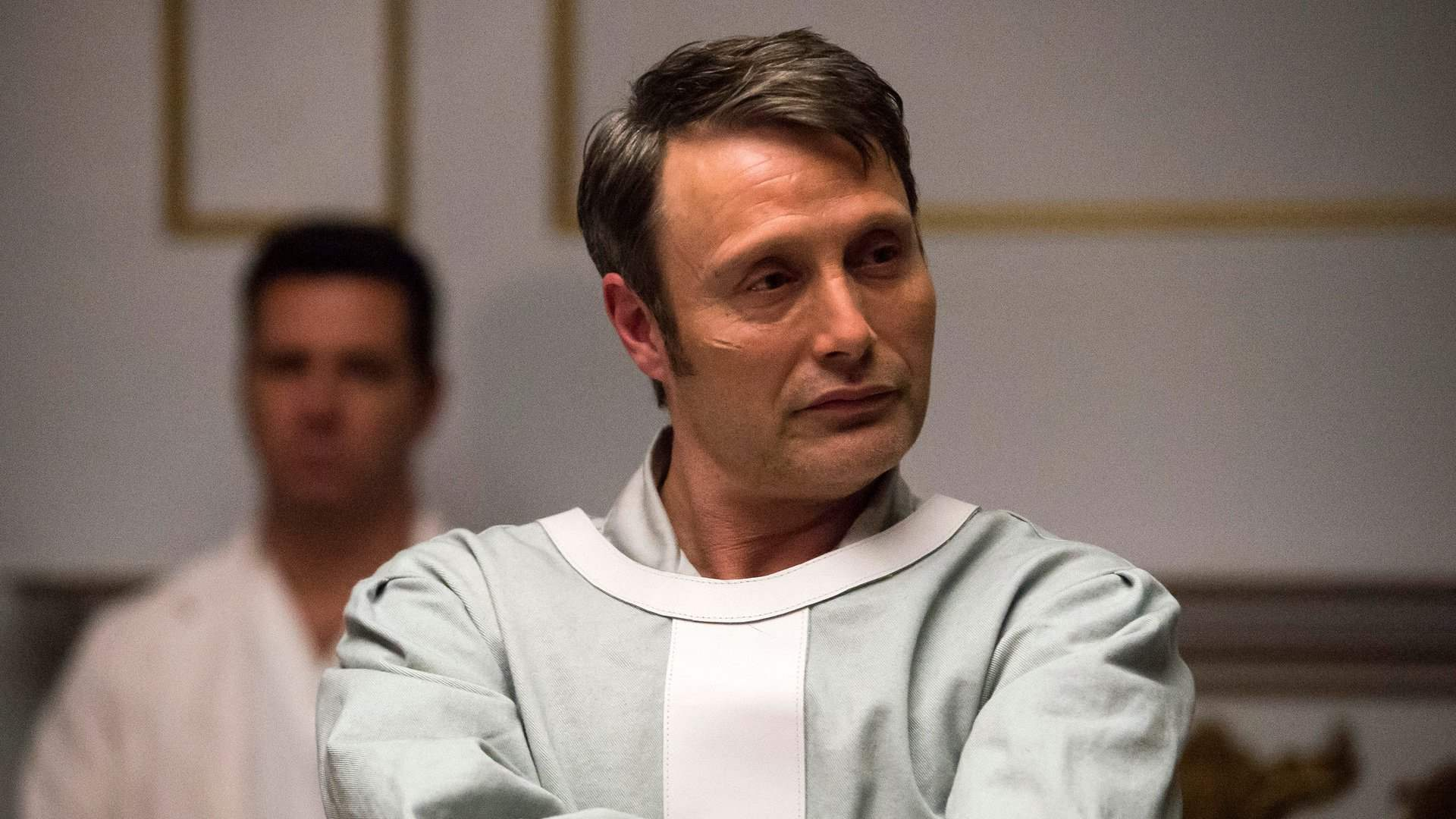 Hannibal Lecter is the amused audience as he watches Jack, Alana, and Will's plan fail in episode 12 of Hannibal's third season.