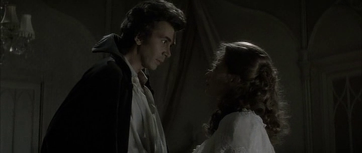 Dracula and Lucy in Dracula 1979