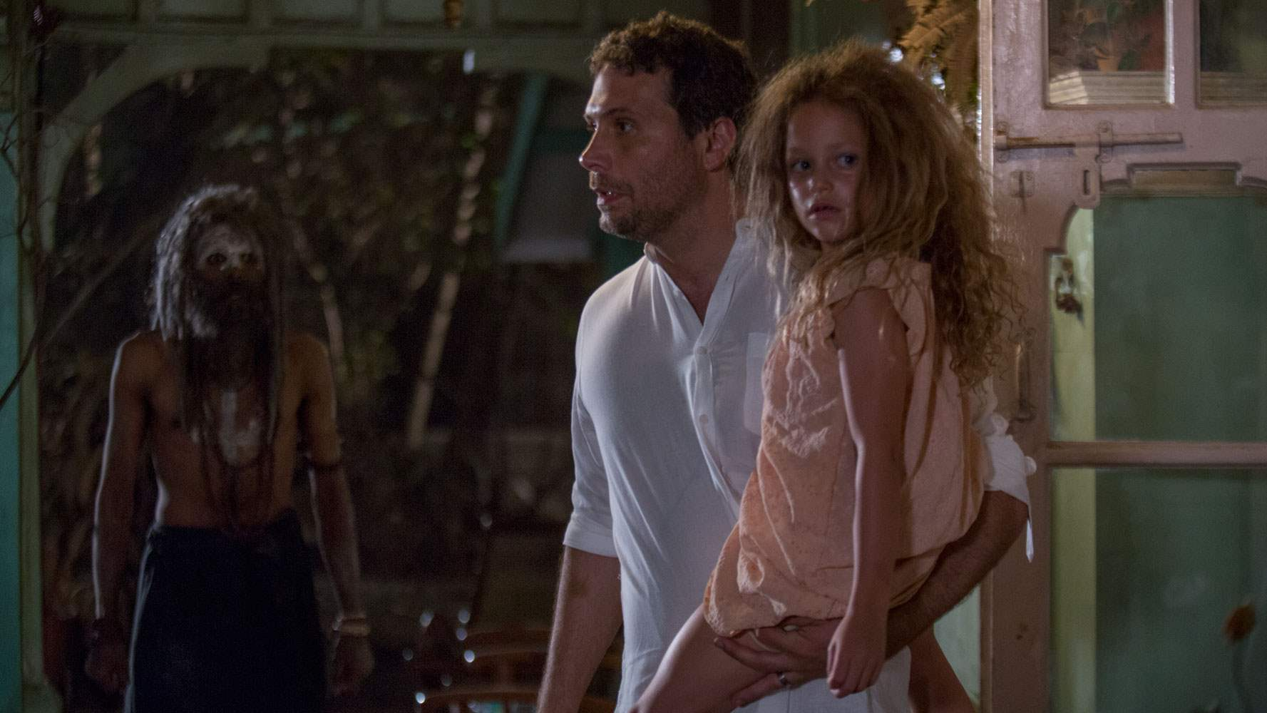 Jeremy Sisto and Sofia Rosinsky in The Other Side Of The Door
