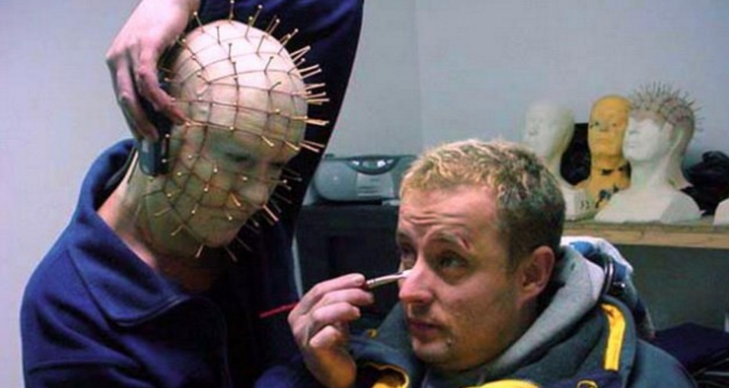 Pinhead and Gary Tunnicliffe on set