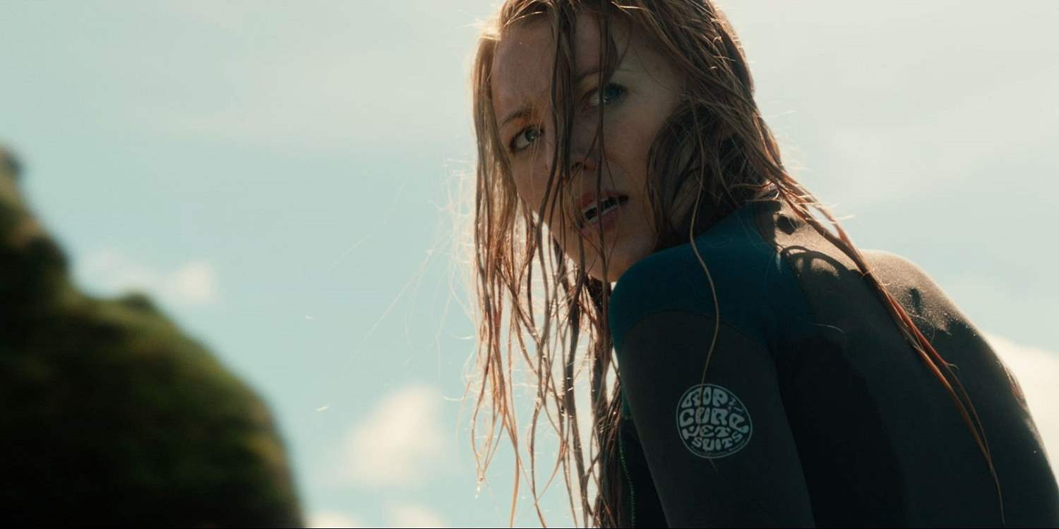 Blake Lively in The Shallows look