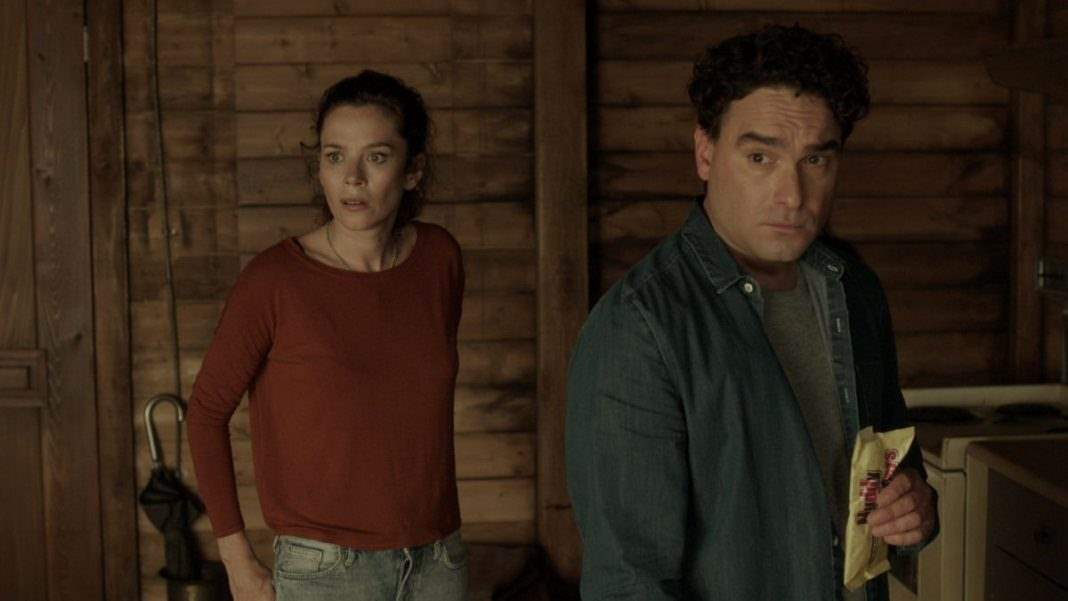 Johnny Galecki and Anna Friel in The Master Cleanse