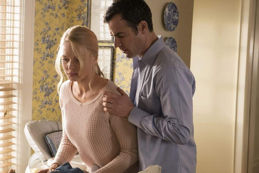 Rebecca Fergus and Justin Theroux in The Girl On The Train
