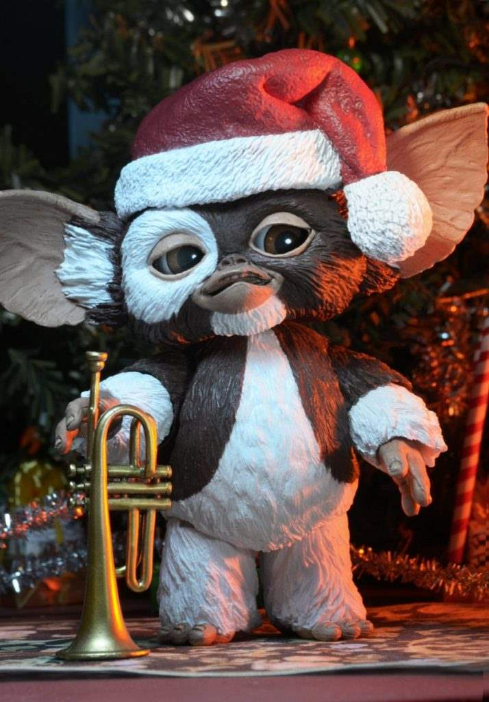 Ultimate Gizmo with Santa hat