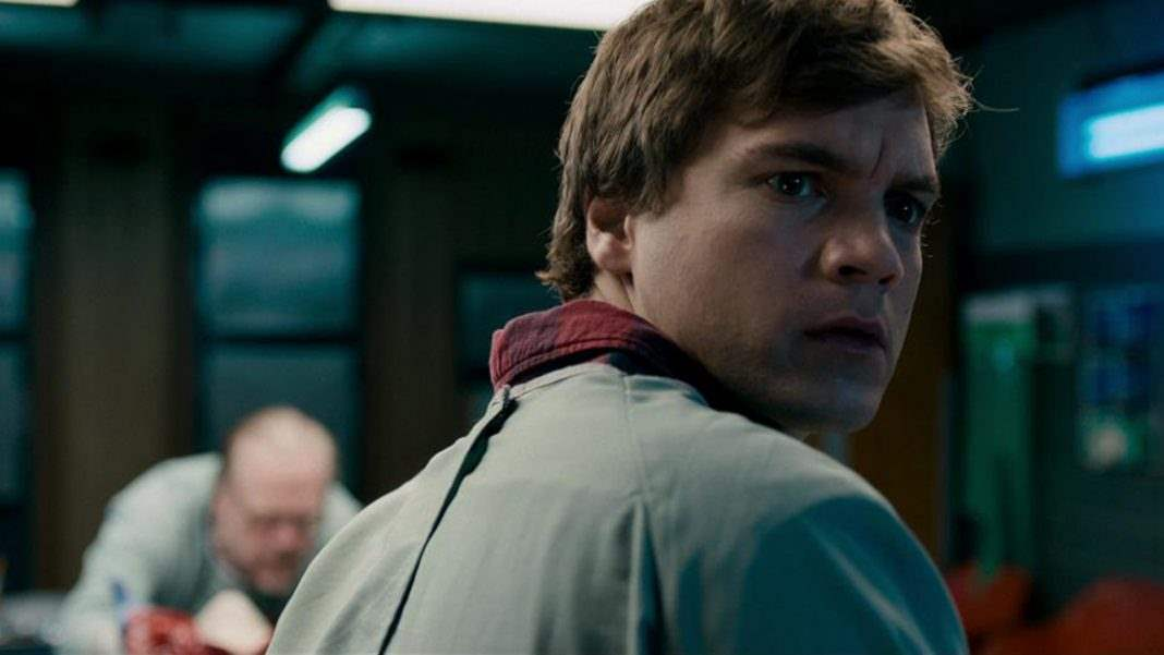 Emile Hirsch worried in The Autopsy Of Jane Doe