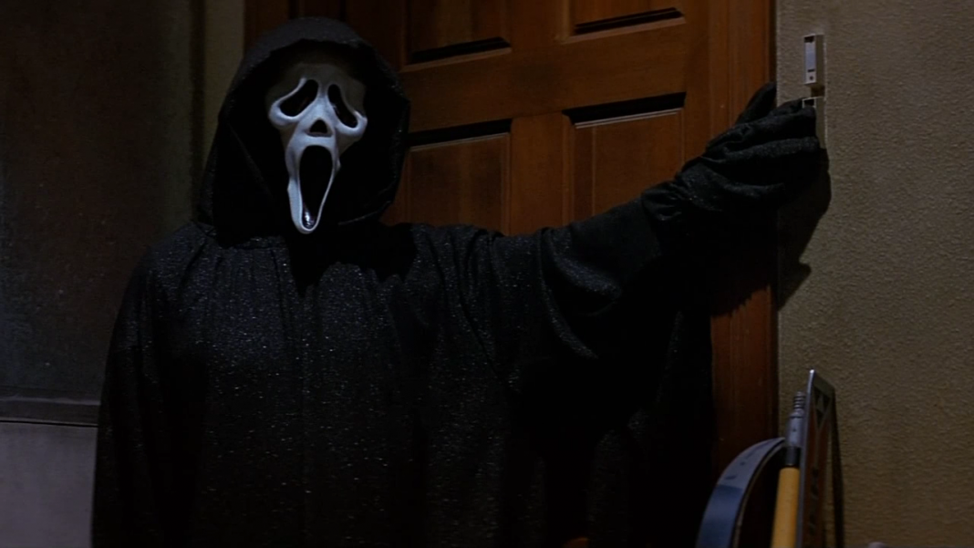 Ghostface stalks Tatum in the garage in Scream