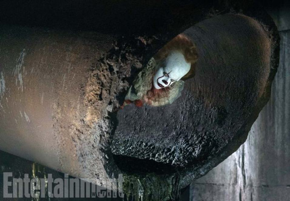 Pennywise crawling in sewer in IT remake