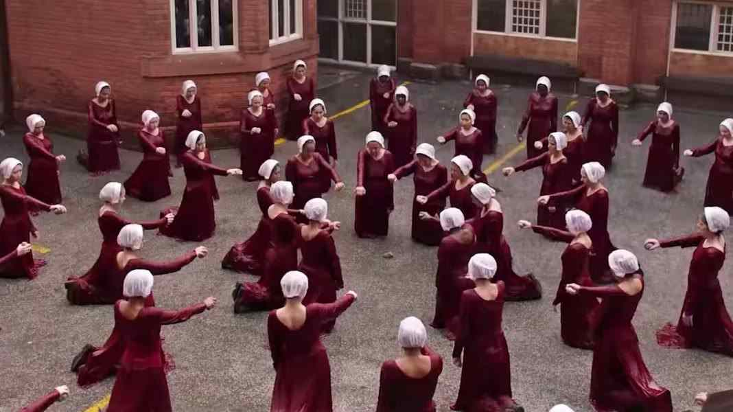 Handmaids-Tale-S2-Punishment