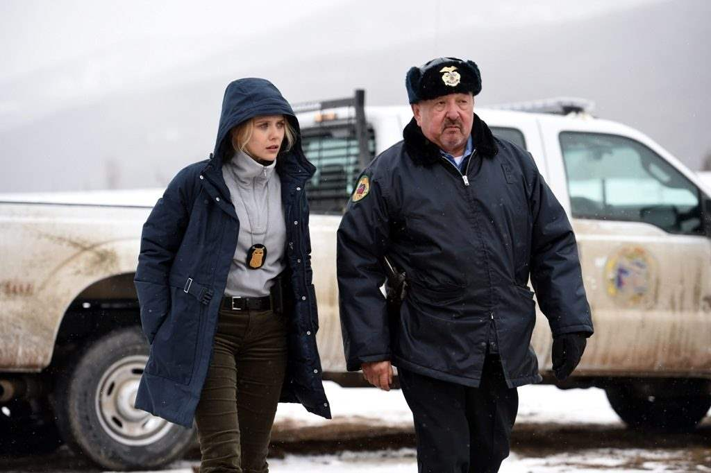 Elizabeth Olsen and Graham Greene in Wind River