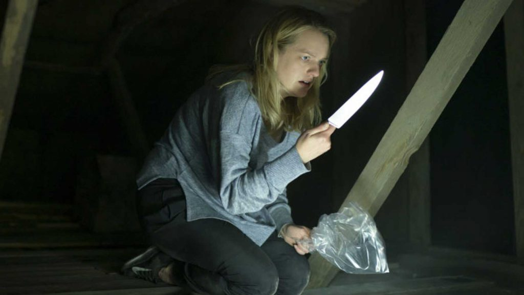 Elisabeth Moss in The Invisible Man knife