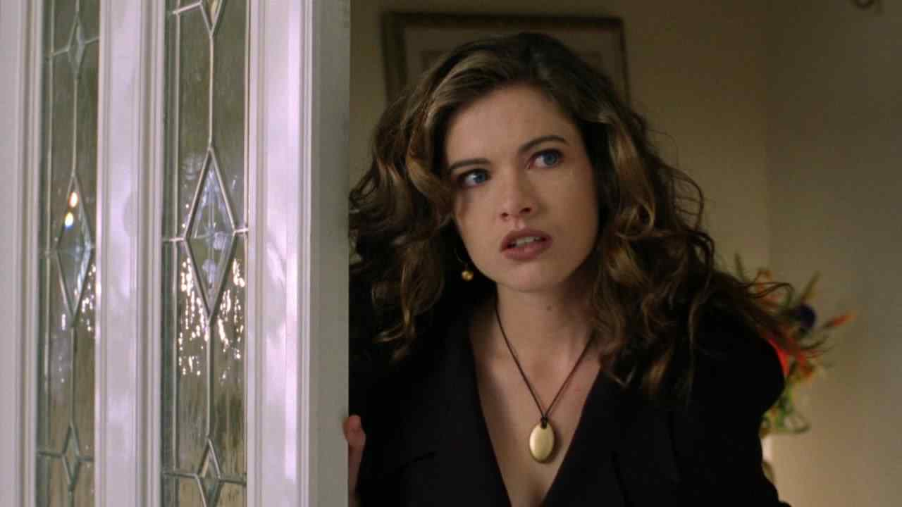 Heather Langenkamp as herself in Wes Cravens slasher film New Nightmare.