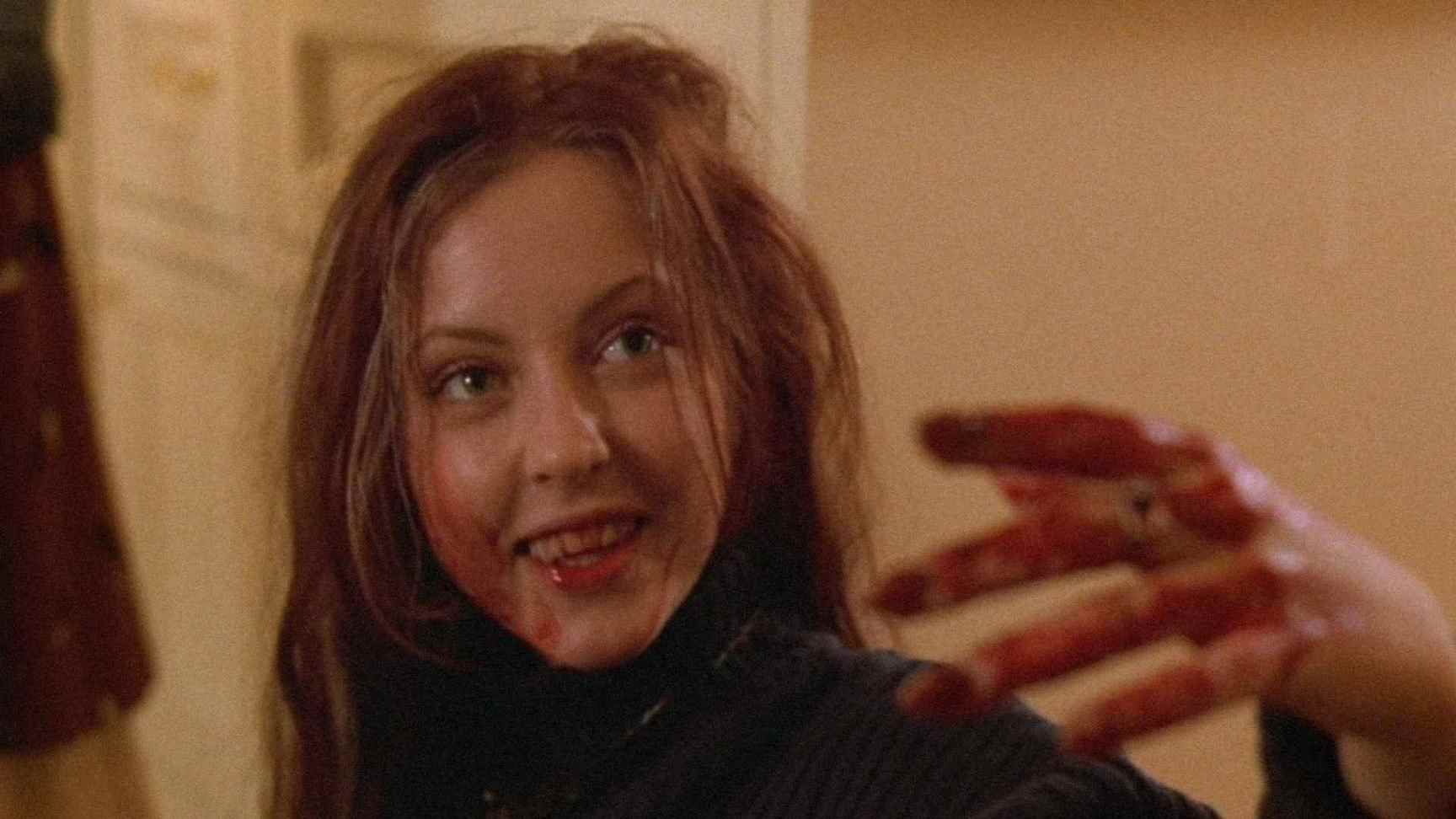 a bit of ketchup in Ginger Snaps (2000)