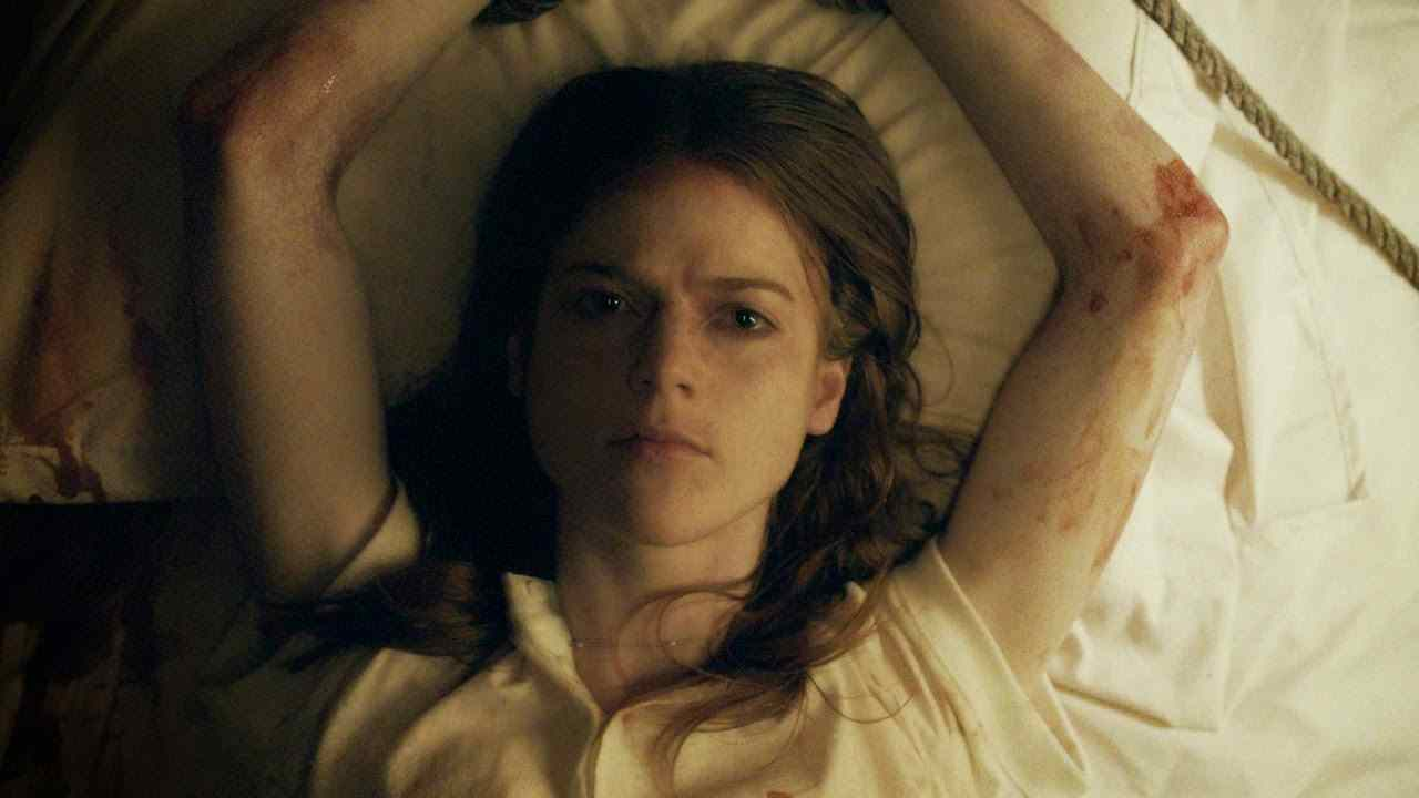 Rose Leslie Honeymooon#