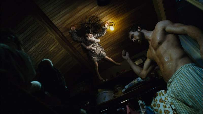 amityville-horror-ceiling