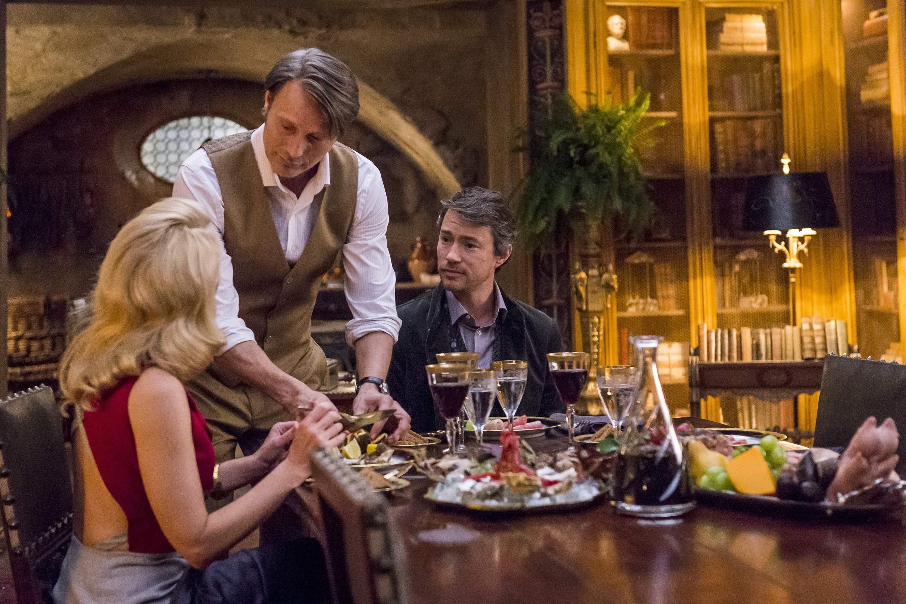 "Hannibal and Bedelia have a friend for dinner in ""Antipasto"""