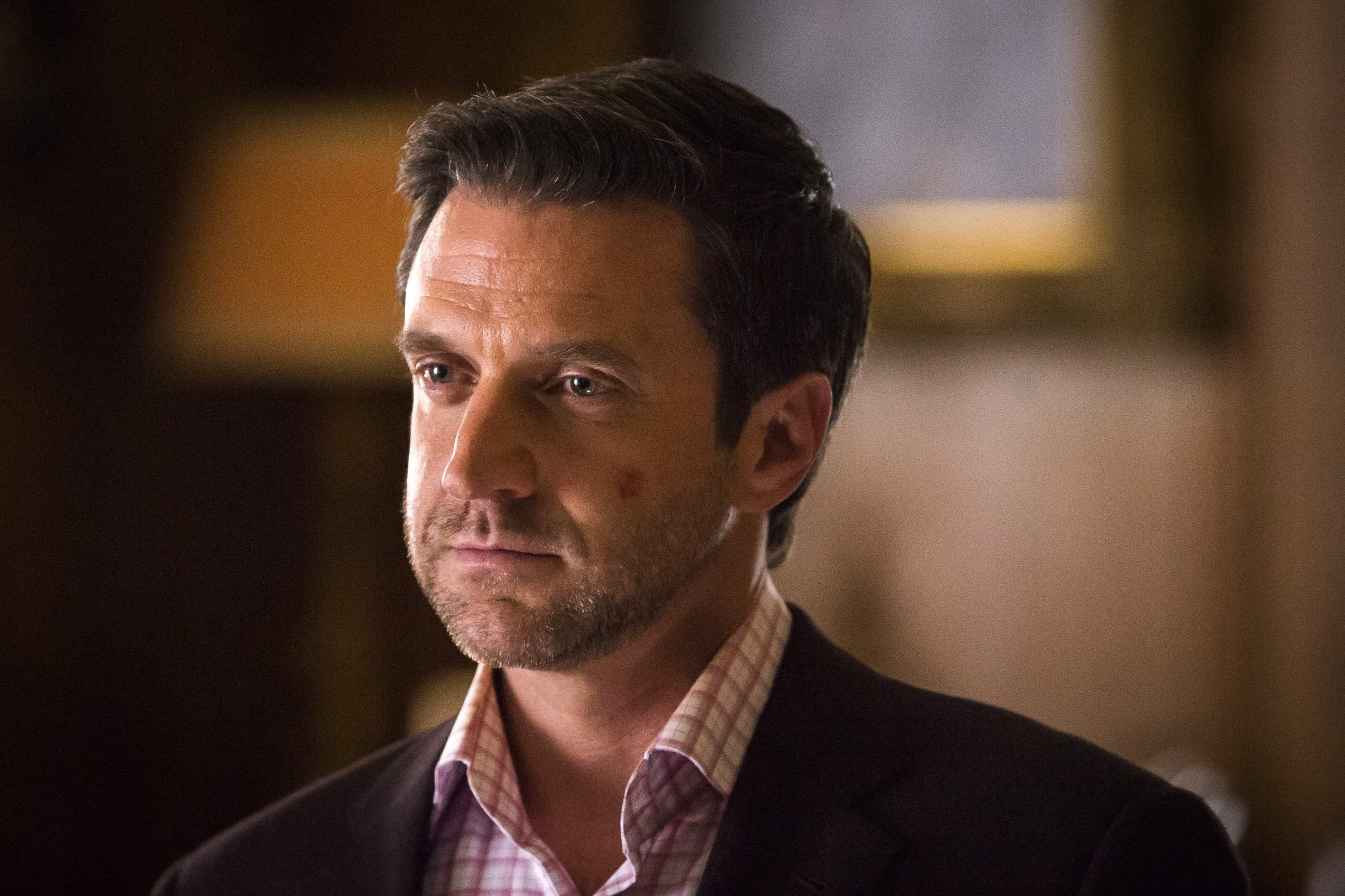 Frederick Chilton approaches Hannibal's other victims in episode 4 to recruit them to go after Hannibal