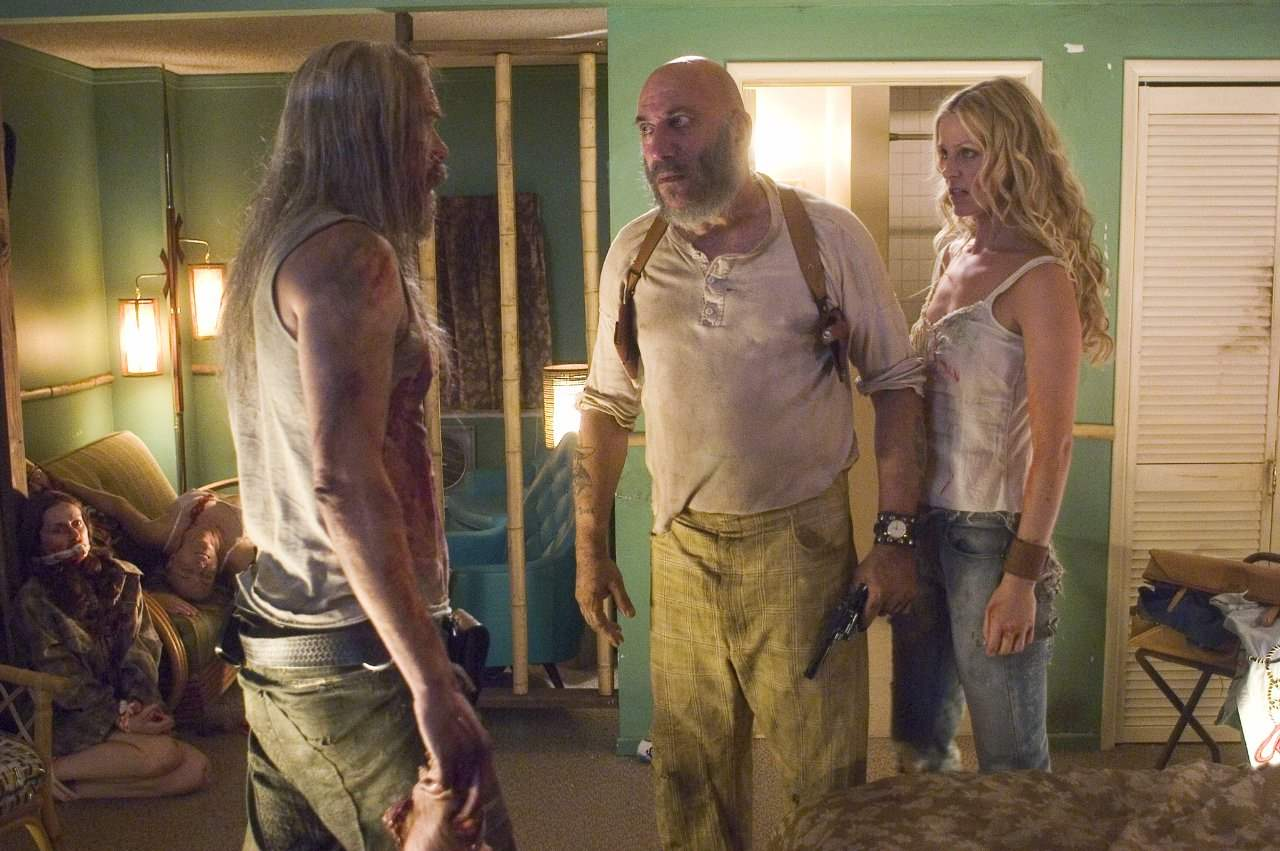 Bill Moseley, Sid Haig and Sheri Moon Zombie in The Devil's Rejects