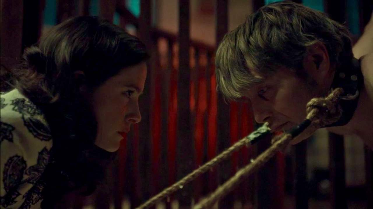 Alana comes face-to-face with Hannibal again while he is a prisoner of Muskrat Farm.
