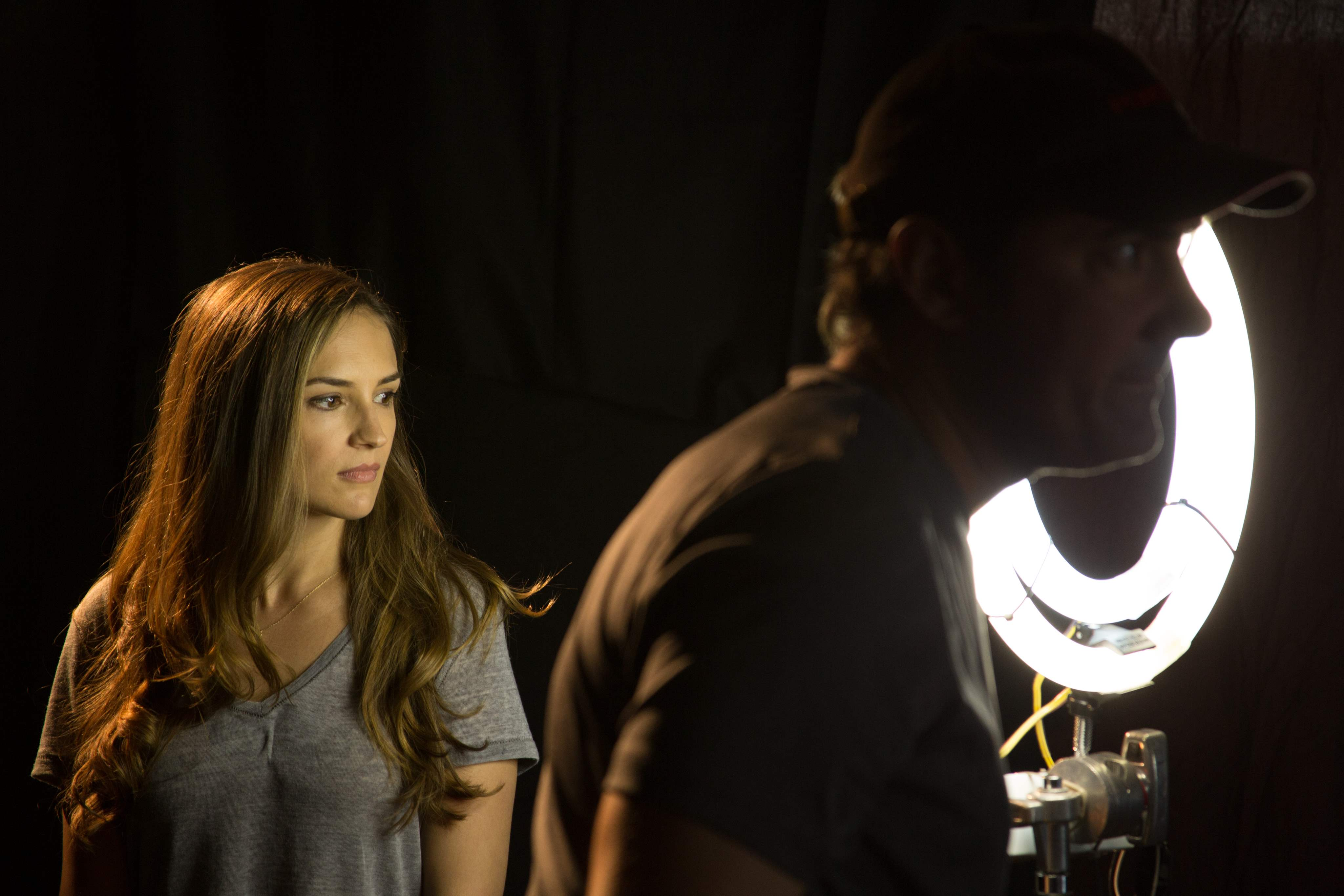 Rachael Leigh Cook and Will Barratt on the set of Horrified