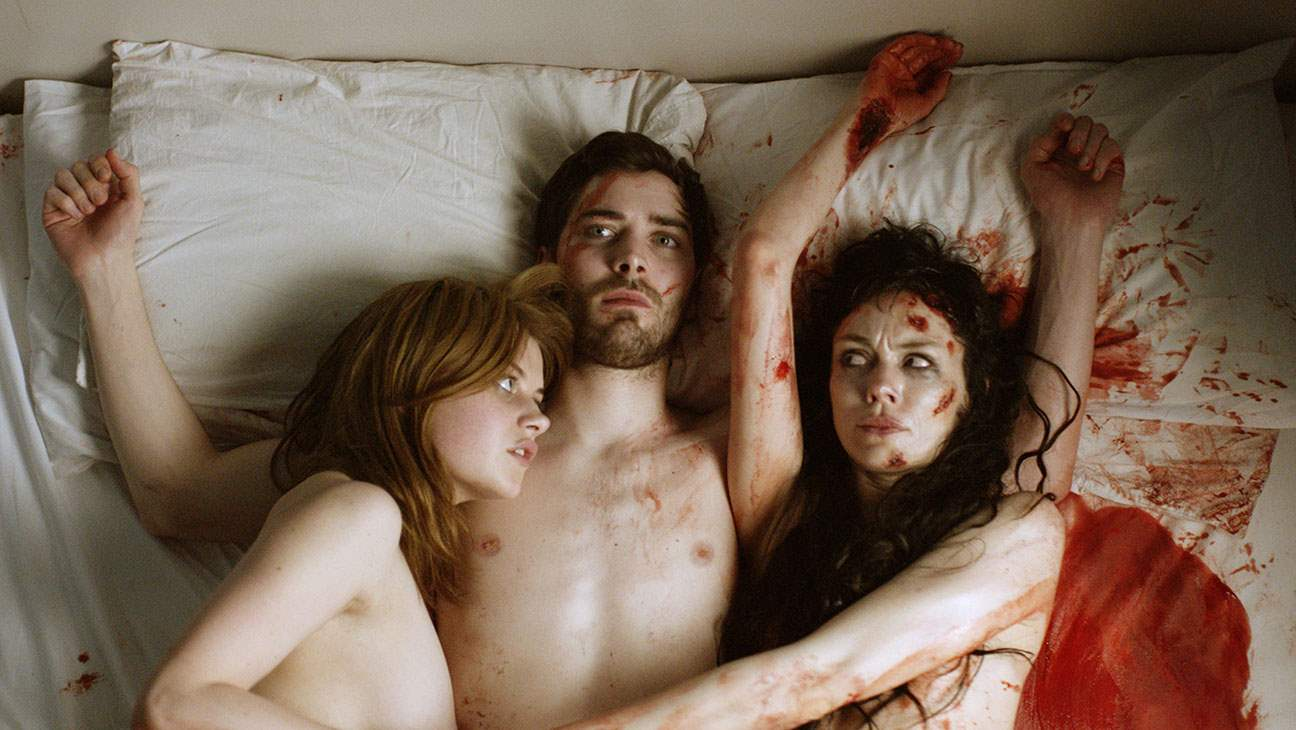 Fiona O'Shaughnessy, Abigail Hardingham and Cian Barry in Nina Forever
