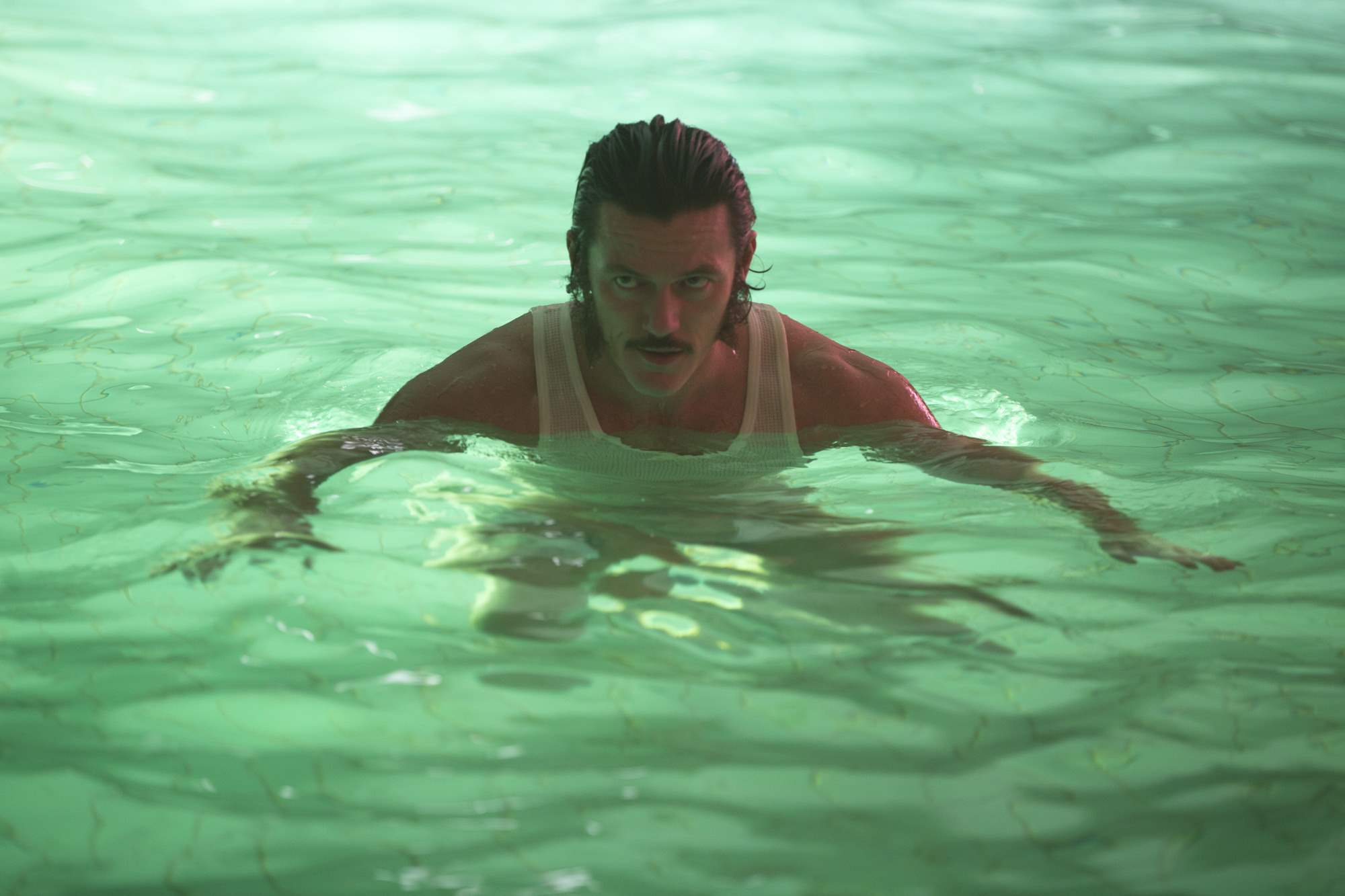 Luke Evans in High-Rise
