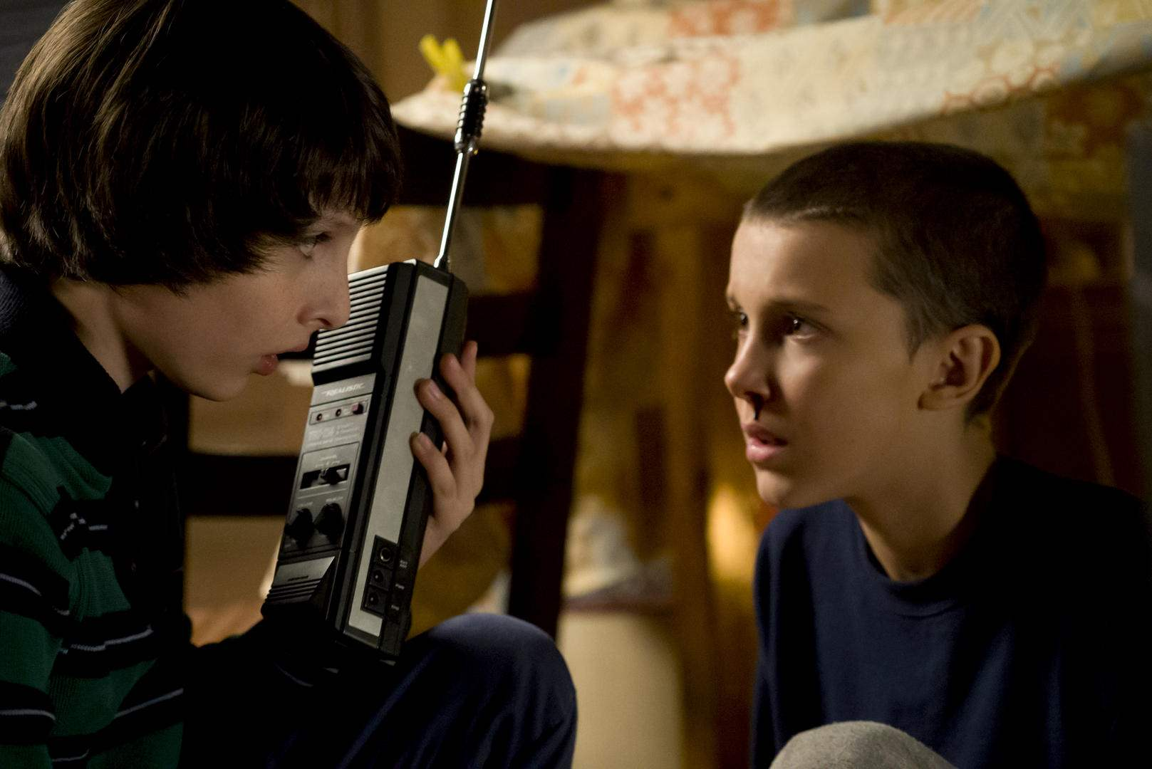 Stranger-Things-Mike-Eleven-Walkie-Talkie