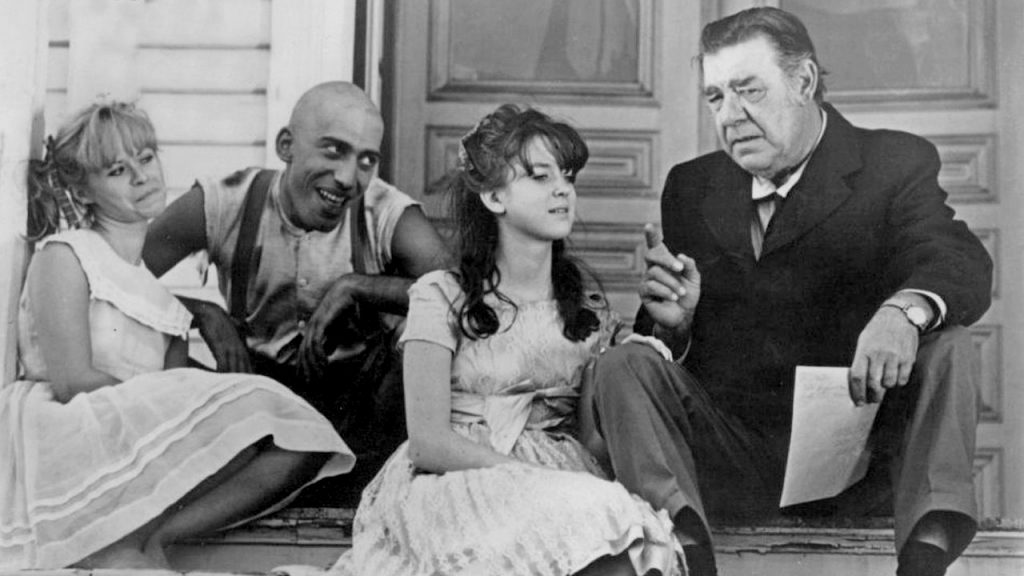 Merrye family and Lon Chaney Jr. in Spider Baby
